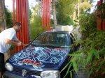 Inkie paints a car